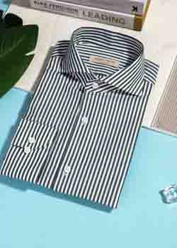 竖条纹弹力衬衫