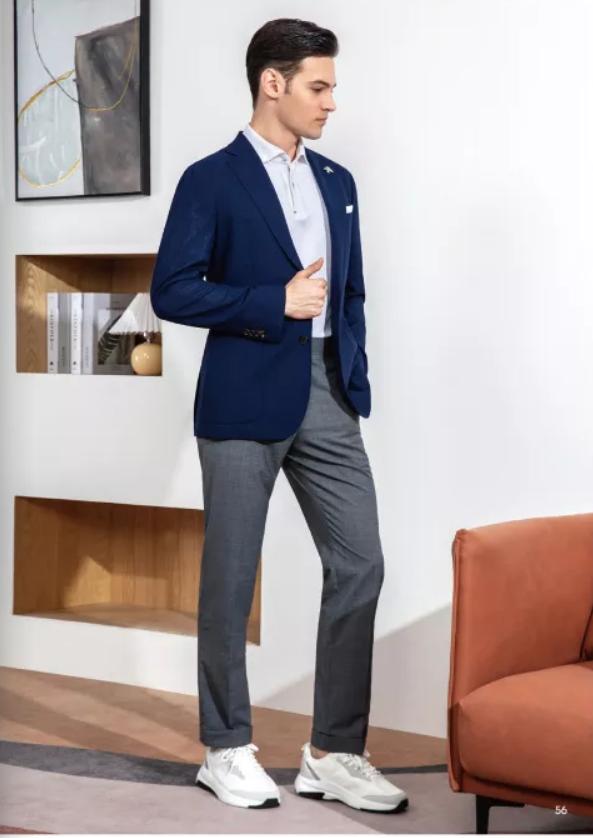 灰色休闲西裤