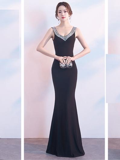 黑色礼服裙