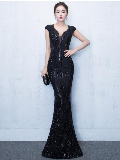 黑色亮片礼服裙