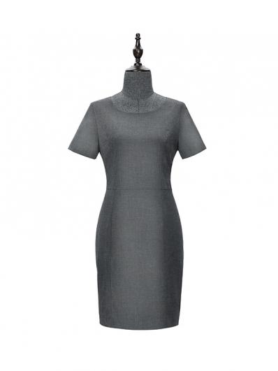 灰色连衣裙