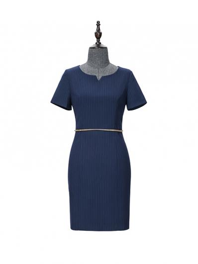 藏青条纹连衣裙