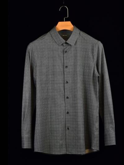 深灰色格子衬衫