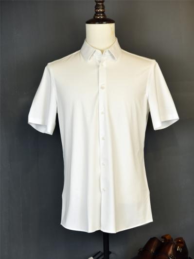 白色弹力衬衫