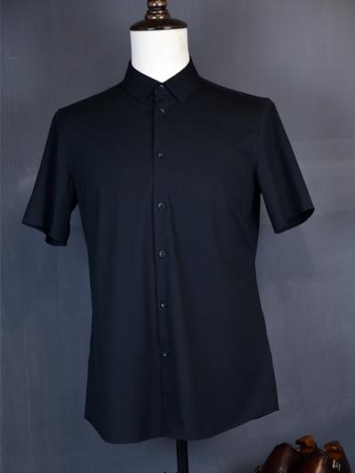 黑色弹力衬衫