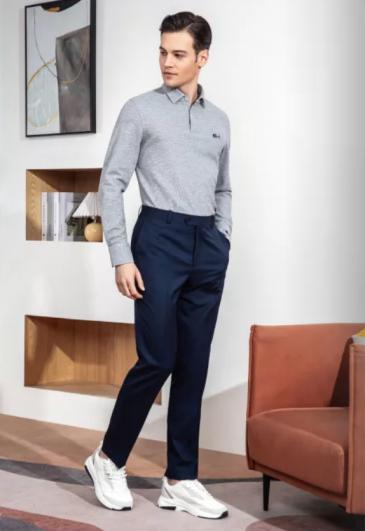 深蓝色西裤