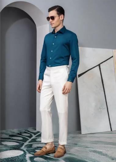 蓝色商务衬衫